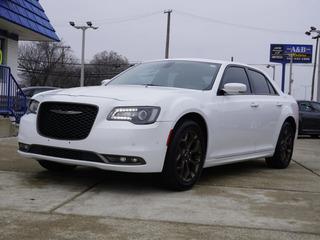 2016 Chrysler 300 for sale in Roseville MI